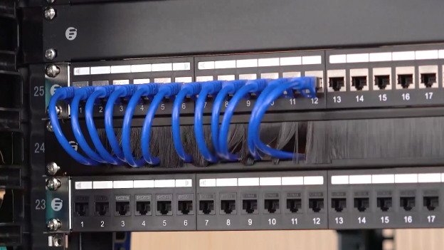 figure 3 1u cable manager with brush strip